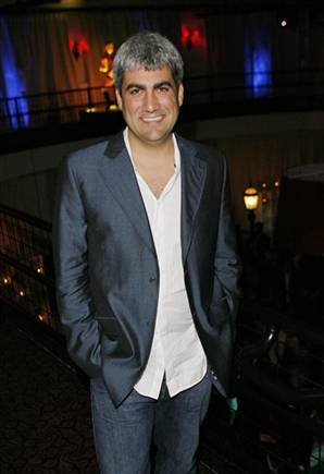 Taylor Hicks dropped by label